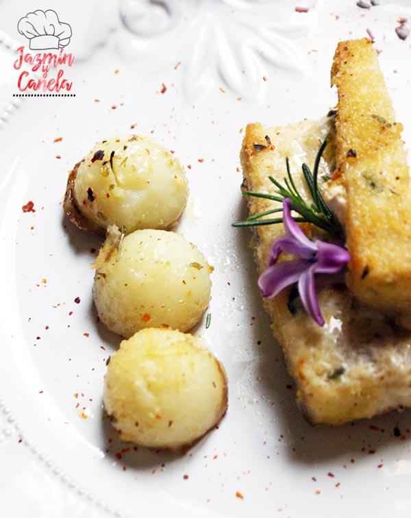 Pez espada, patatas y tomates al horno