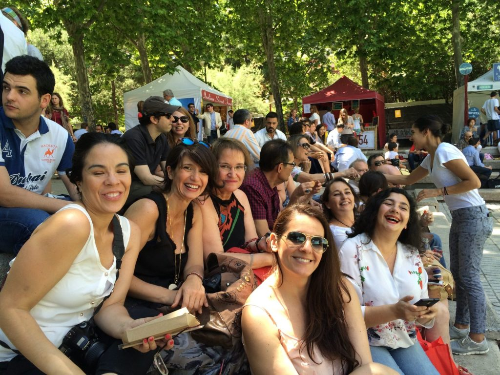 Gracias por hacerlo tan divertido a las chicas de Mateo and Co y a las bloggers @LaMAdridMorena, @Nutriguia, @Milideasmilproy, @Bea_Mandarinas, @Circulosdefuego