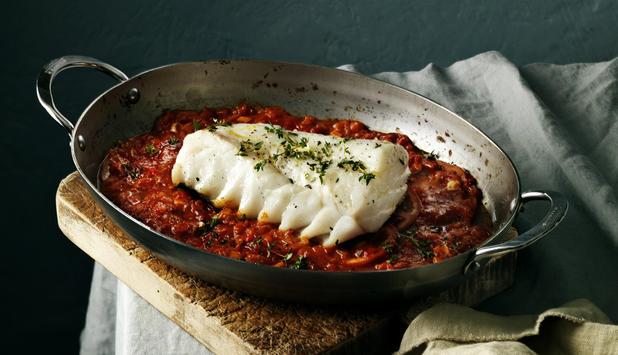 Skrei-al-horno-con-tomate-y-ajo_large
