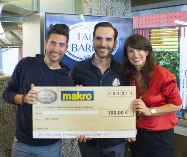 Premio otorgado por Makro y Mario SAndobal por mi tartar de salón y aguacate JAZMIN Y CANELA junto a mi pinche Álbaro Roldán