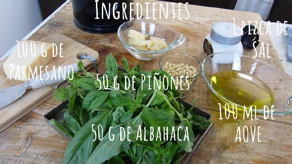 Ingredientes La auténtica receta de PESTO de ALBAHACA o PESTO a la GENOVESE. El auténtico pesto verde de Liguria. receta pesto verde